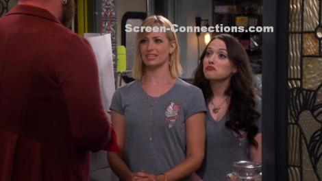 2-broke-girls-season-5-dvd-image-01